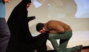 خبرنگاری که با یک دستمالسرخ ازدواج کرد + عکس
