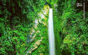 آبشاری زیبا در دل طبیعت آمل