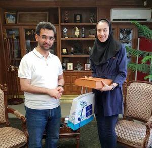 عکس/ تقدیر آذری جهرمی از کیمیا علیزاده