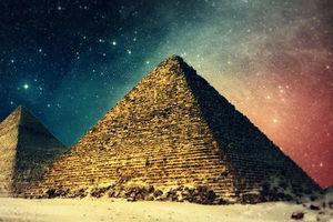 فیلم/کشف دو گور باستانی در مصر