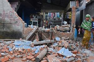 فیلم/ فرو ریختن ساختمان آسیب دیده در زلزله!