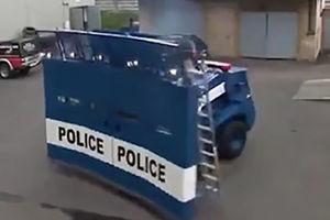 فیلم/ خودروی کنترل از راه دور پلیس ضدشورش!