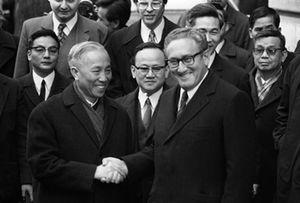 کیسینجر چگونه شرایط خود را در مذاکره به ویتنام تحمیل کرد