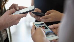 چرا گوگل و اپل دوست دارند کاربرها کمتر از موبایل استفاده کنند