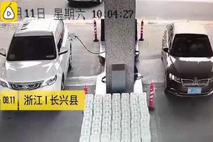 فیلم/ حادثه ای که راننده حواس پرت ساخت!
