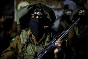 عکس/ رژه شبانه سربازان حماس