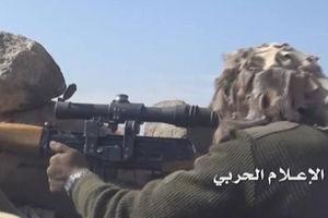 فیلم/ لحظه شکار سعودی ها توسط تک تیرانداز یمنی!