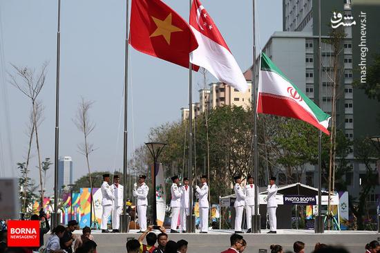 عکس/ اهتزاز پرچم ایران در دهکده بازی های آسیایی جاکارتا
