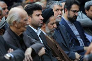 """عکس/ امام جمعه تهران در مراسم تشییع """"آقای بازیگر"""""""