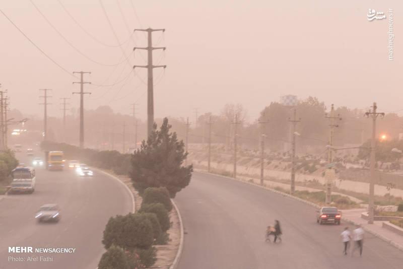 گرد و غبار شهریار را فراگرفت