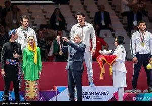 عکس/ خوشحالی خاص آقای رئیس از طلای یزدانی