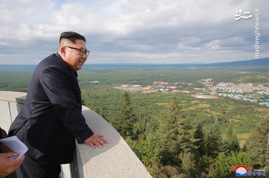 عکس/ رهبر کره شمالی و همسرش در سرزمین پدری