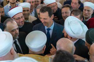 بشار اسد نماز عید قربان را در پایتخت به جا آورد