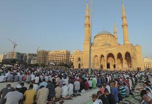 عکس/ برپایی نماز عید قربان در مسجدآبی لبنان