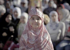 عکس/  اقامه نماز عیدقربان در رومانی، اتیوپی و ساحلعاج