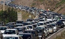 ترافیک سنگین در ورودی شهر تهران/ هراز یکطرفه شد
