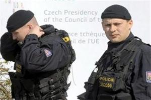 فیلم/ حمله مسلحانه به پلیس!