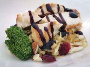 غذاهایی که بر تعادل هورمونها اثر میگذارند