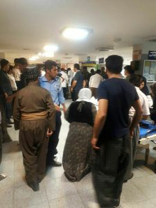 عکس/ ازدحام در بیمارستان جوانرود پس از زلزله