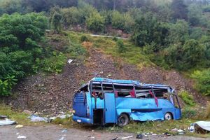 کشته در واژکونی اتوبوس گردشگران