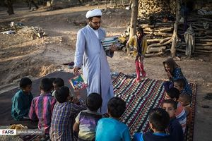 گفتوگو با مرد قصهگوی روستاهای محروم + عکس