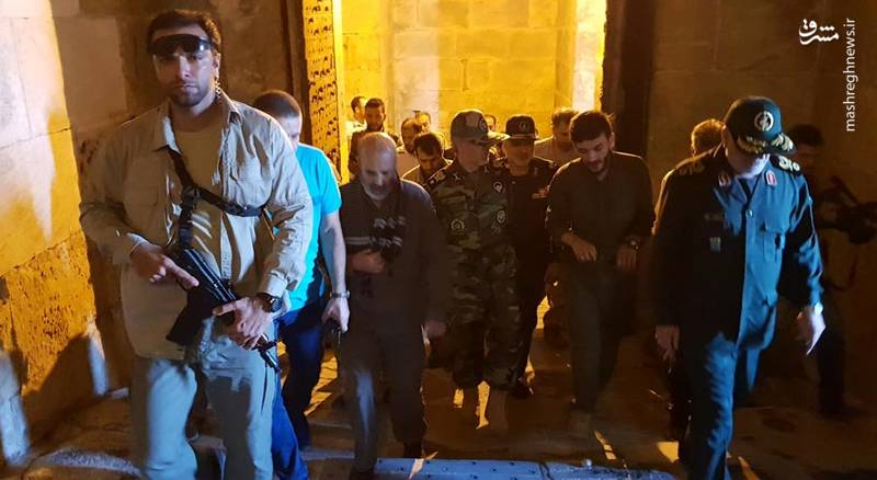 بازدید امیر حاتمی وزیر دفاع از شهر حلب
