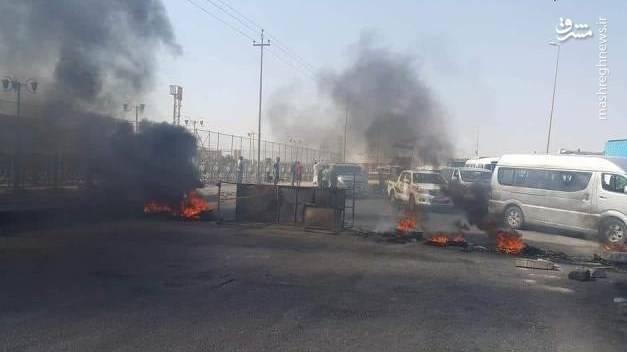 ، معترضان راه اصلی منطقه را بستند و اقدام به آتش زدن لاستیک کردند. آنها تهدید کردند تا زمانی که مطالباتشان برآورده نشود، به تظاهرات خود ادامه خواهند داد.
