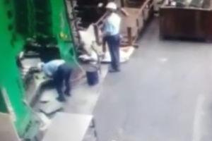 فیلم/ حادثه عجیب برای یک کارگر!