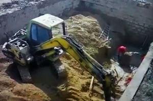 فیلم/ سقوط دیوار سیمانی روی 3 کارگر!