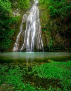 تصویری زیبا از آبشار لوه در گالیکشِ گلستان