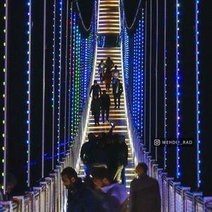 نمایی زیبا ازبزرگترین وزیباترین پل معلق  مشکین شهر  در شب  اردبیل