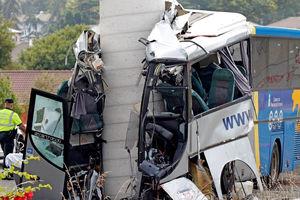 سقوط مرگبار اتوبوس در اسپانیا