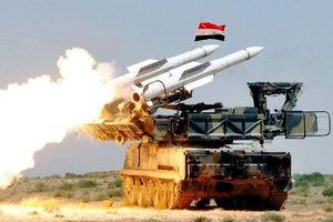 فیلم/ لحظه انهدام موشک اسراییلی در آسمان سوریه