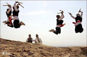 «رقص چوب» لیلاز و دوستان با روحانی/ هشدارهای حزب کارگزاران درباره «بحران اقتصادی» را بخوانید!
