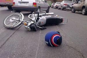 تصادف مرگبار موتورسوار ۱۸ساله با دیوار تره بار