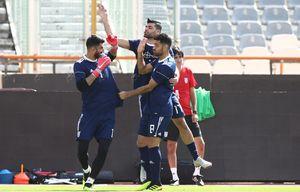 عکس/ کتک خوردن بیرانوند در تمرین تیم ملی!