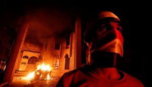 چه کسانی کنسولگری ایران در بصره را آتش زدند؟/ انتقام خونین سعودیها از جریان پیروز انتخابات در بصره +عکس و فیلم