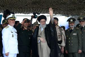 فیلم/ لحظاتی از ساندیدن فرمانده کل قوا در نوشهر