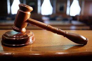 سرک کشیدن به تلفن همراه دیگران در قانون چه جرمی دارد؟