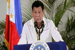 فیلم/ مزاحمت مگسی برای رئیس جمهور فیلیپین!