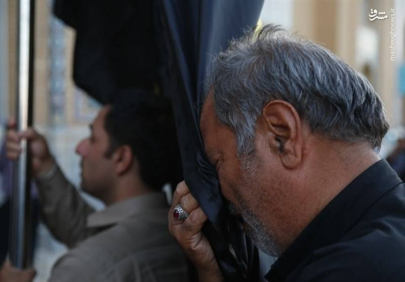 تعویض پرچم مسجد مقدس جمکران