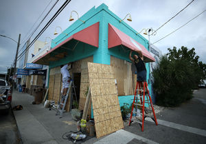 عکس/ آمریکاییها خانههایشان را تخته کردند