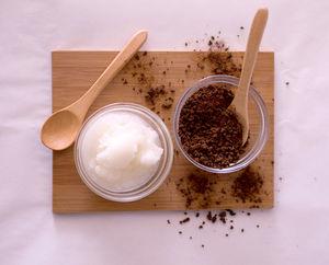 درمان سلولیت با اسکراب تفاله قهوه