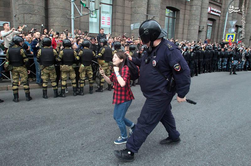 دستگیری یک نوجوان در تظاهرات علیه طرح جدید پیرامون سن و مزایای بازنشستگی در سنپترزبورگ