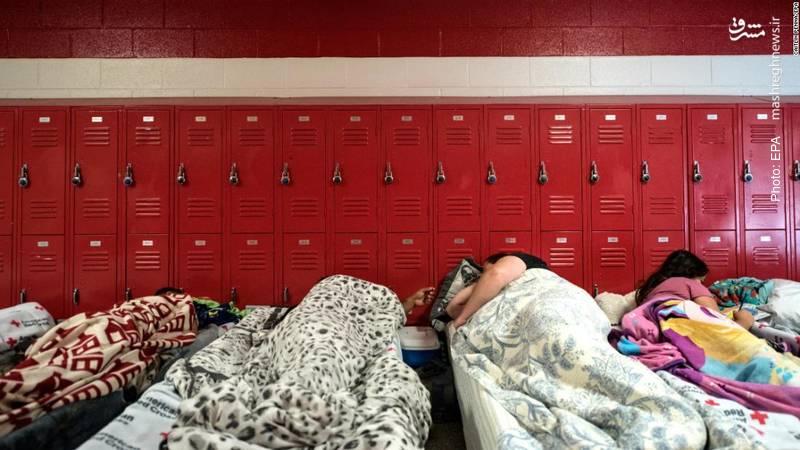 تخلیه خانهها و اسکان آمریکاییان در مدارس در آستانه ورود طوفان فلورنس