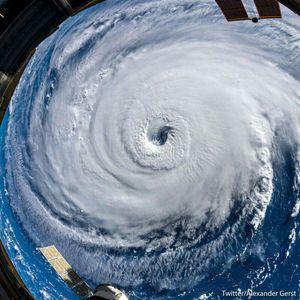 تصویر فضایی از طوفان سهمگین فلورانس