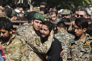 عکس/تشییع پیکر شهید مدافع حرم «اصغر الیاسی»