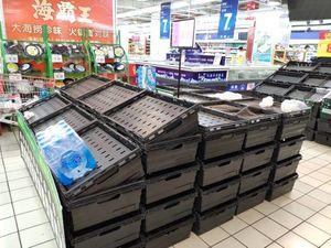 عکس/ هجوم چینیها به فروشگاهها
