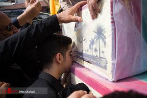 فیلم/ استقبال از ۴۶ شهید دفاع مقدس در مرز مهران