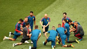 چالش وحدت ملی برای مربیان اسپانیایی/ قربانیان فوتبالی بزرگ سیاست